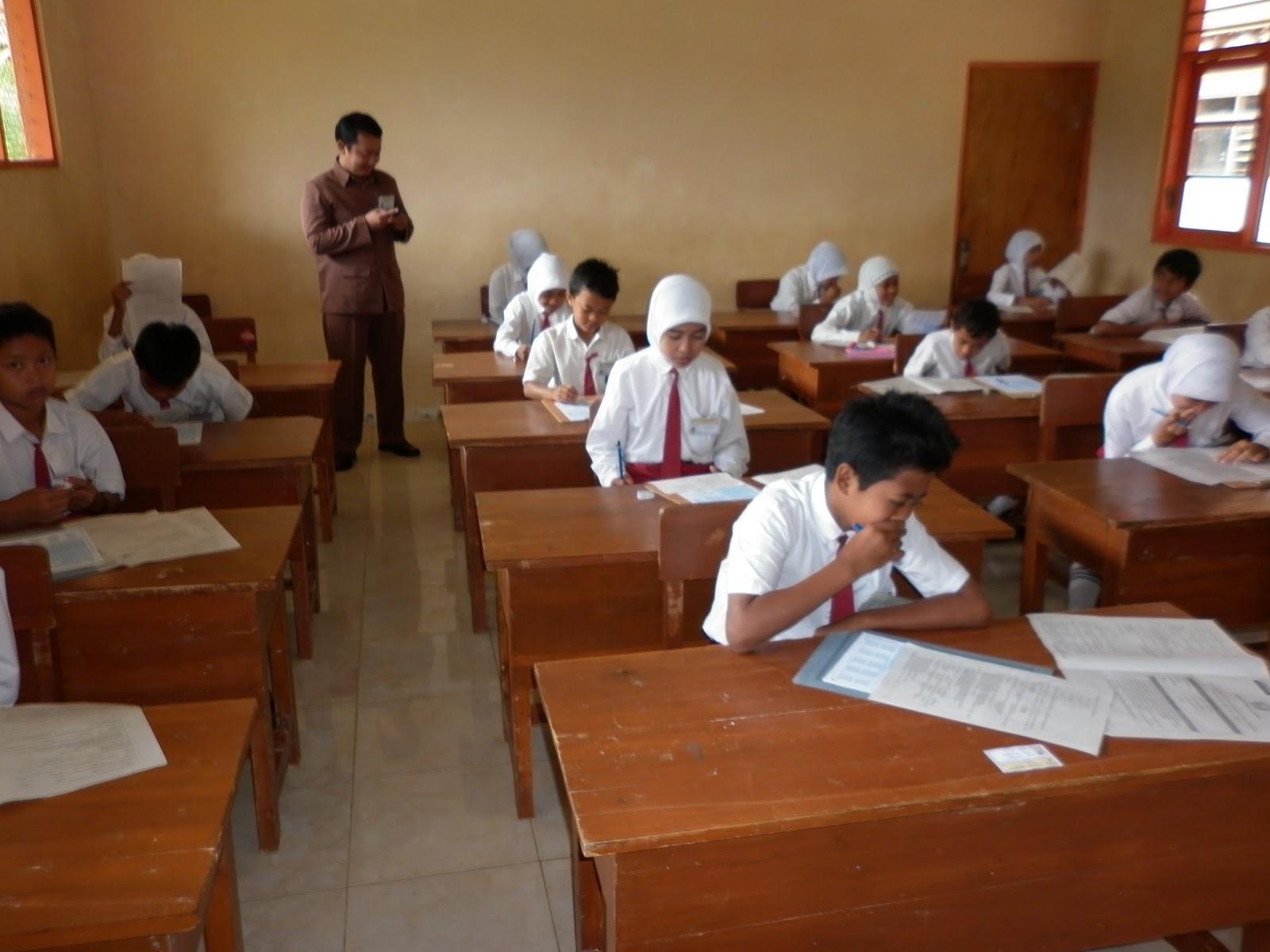Guru-Guru Pun Belajar UU Keterbukaan Informasi Publik