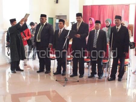 Bupati Cirebon Lantik 5 Anggota KI Kabupaten