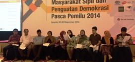 Sejumlah perwakilan masyarakat sipil membacakan rekomendasi dan pernyataan sikap terkait penguatan demokrasi di Indonesia. Rabu (26/11/14).